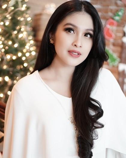 Model Rambut Artis Indonesia 2018 83d6154a55