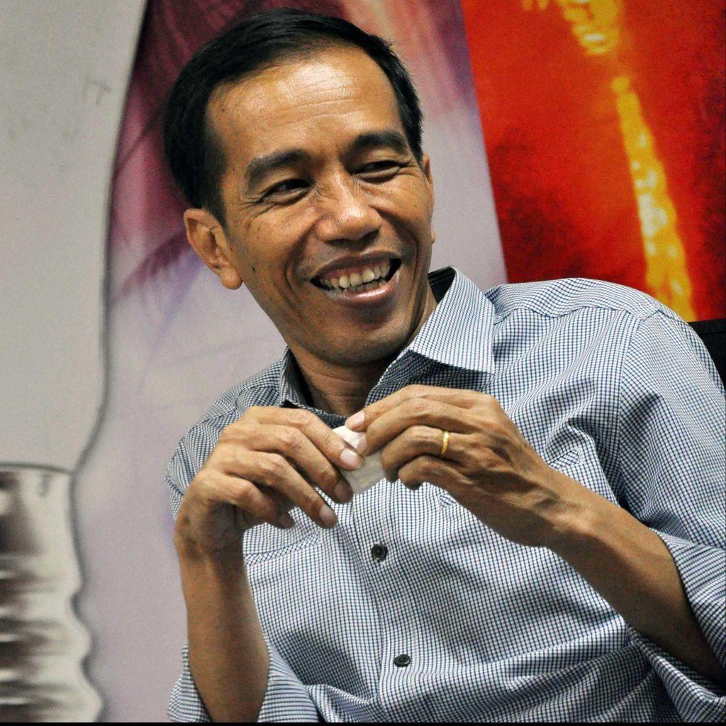 Tidak Hanya Suka Metal, Ini Aksi Jokowi Ngerap