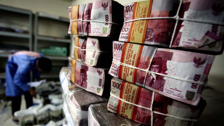 TKI Kirim Uang Lebaran Lewat Bank Hingga Jasa Pengiriman Ilegal