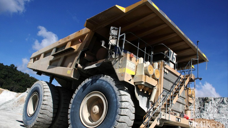 Soal Revisi PP Minerba, Luhut: Harus Bangun Smelter