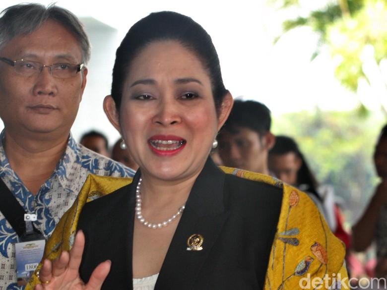 Titiek Soeharto Minta Novanto Mundur dari Ketum Golkar dan Ketua DPR