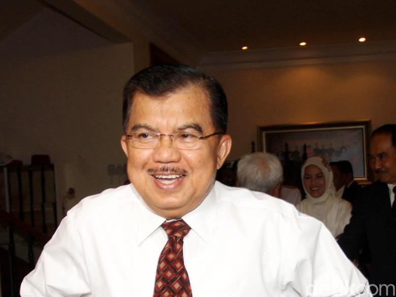 JK Minta Kesehatan Setya Novanto - Jakarta Wapres Jusuf Kalla meminta kesehatan tersangka kasus dugaan korupsi Setya Novanto juga dicek oleh dokter dari JK