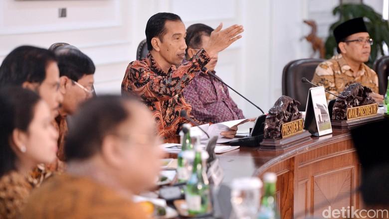 Jokowi Kumpulkan Menteri Bahas Progres Pembangunan 10 Bali Baru