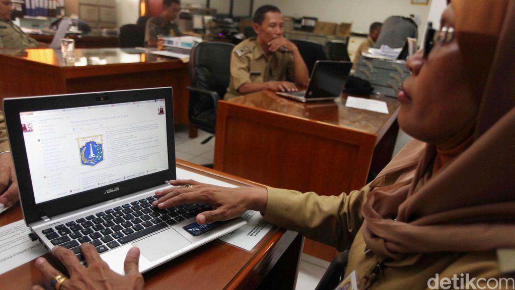 Fakta Rencana Gaji PNS Muslim Langsung Dipotong Zakat 2,5%