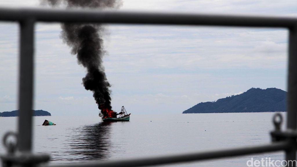 Susi Tenggelamkan 127 Kapal di 2017, Vietnam Paling Banyak