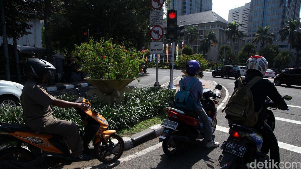 Pemotor Girang Larangan Motor Sudirman-Thamrin Bakal Dicabut