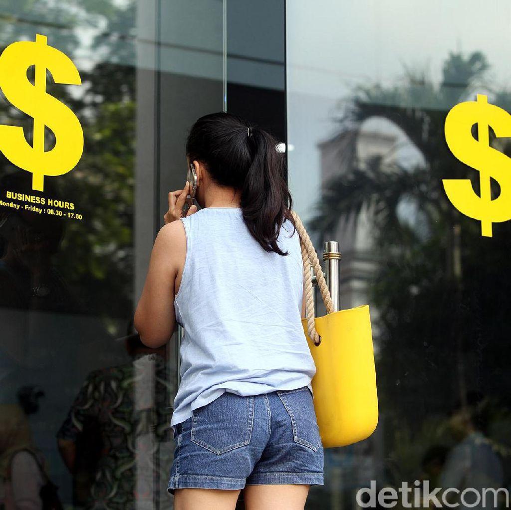 Dolar AS Nyaris Rp 13.900
