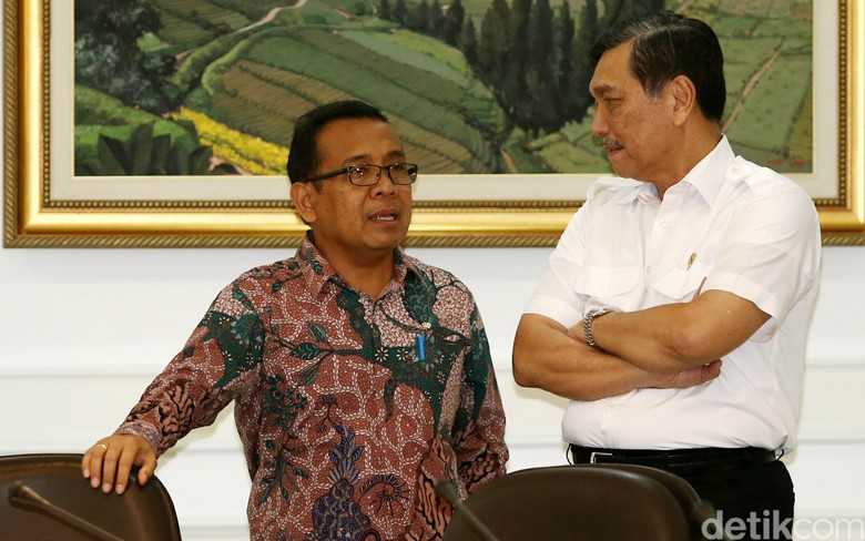 Luhut Bilang Cawapres Jokowi Diurus Mensesneg, Pratikno: Tidak Benar