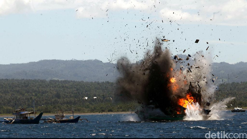 Target Susi: Tenggelamkan 100 Kapal Maling Ikan Tahun Ini