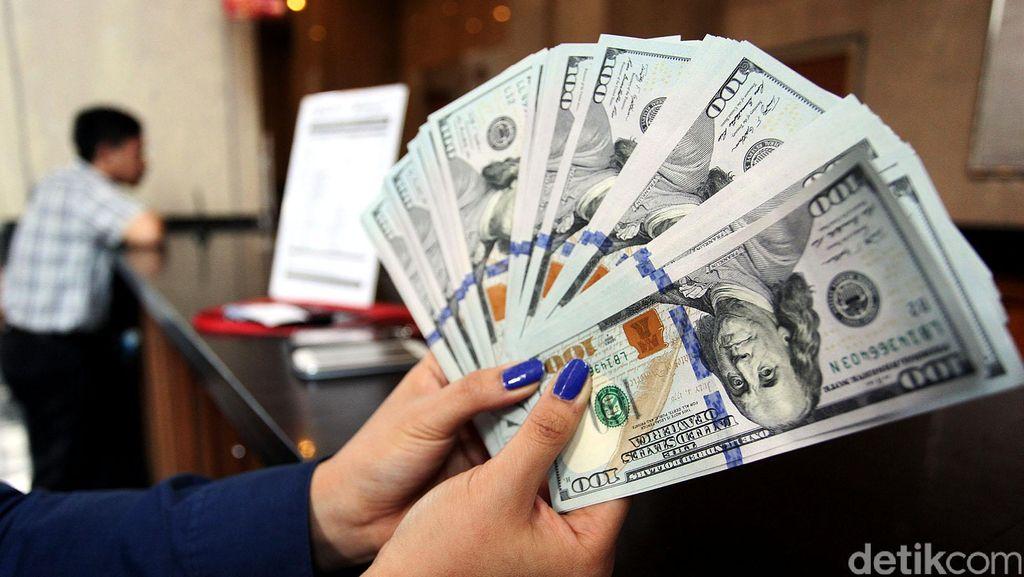 Dolar AS Stagnan di Rp 13.250 Jelang Pertemuan The Fed