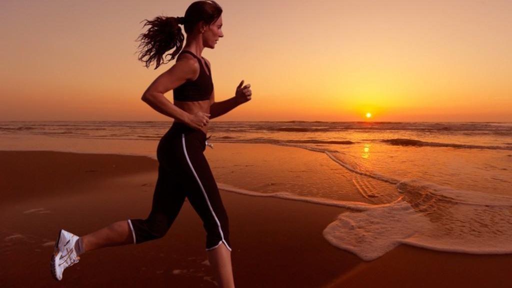 Begini Caranya Hindari Dehidrasi Saat Lari