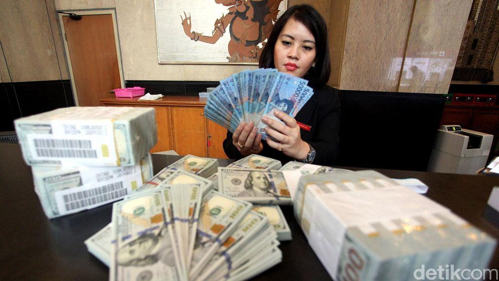 Rupiah Melemah Terhadap Dolar AS, Ini Penyebabnya