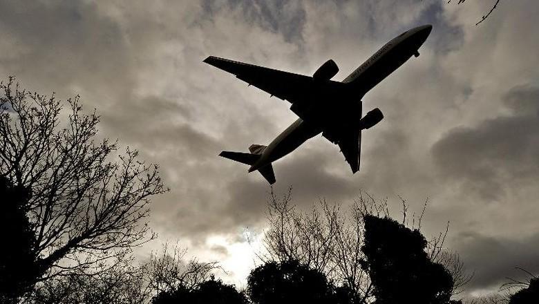 Pesawat Myanmar Tergelincir Saat Hendak Mendarat, 1 Orang Luka