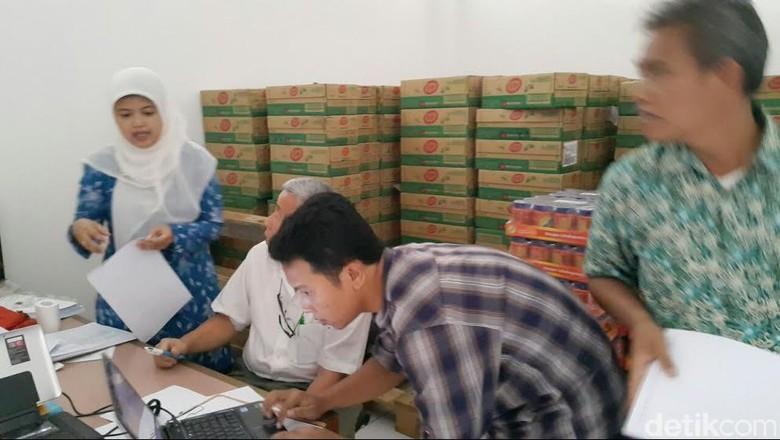 BBPOM Bandung Gerebek Gudang yang Simpan 10 Ribu Makanan Impor Diduga Ilegal