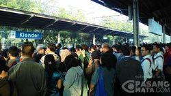Gangguan Sinyal di Cipinang-Klender, Perjalanan KRL Terhambat