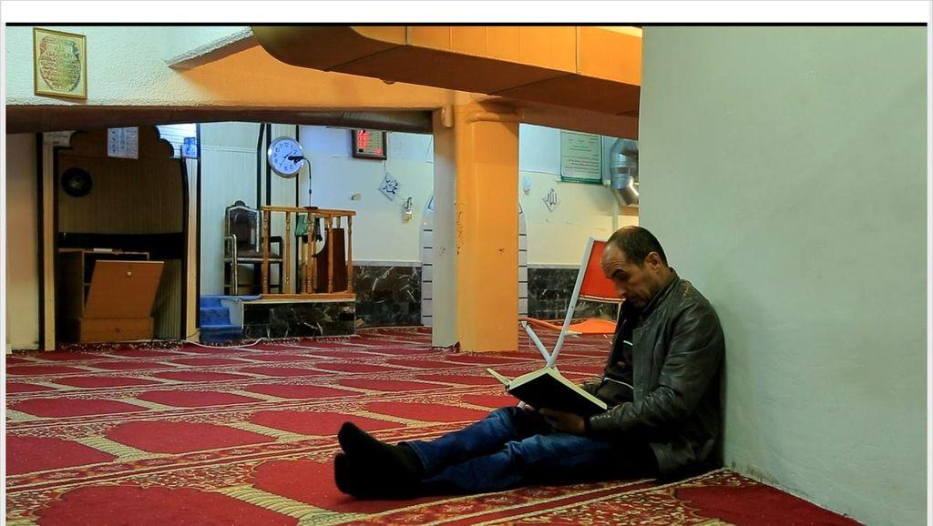 Foto: Masjid Bawah Tanah di Kota Athena
