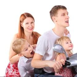 Demi Keselamatan, Jangan Sembarangan Turunkan Anak dari Motor