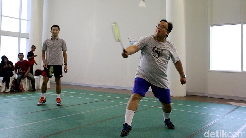 Terlalu Semangat Main Badminton, Menteri PPN/Kepala Bappenas Cedera Kaki