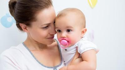 Yang Perlu Bunda Tahu Soal Empeng untuk si Kecil