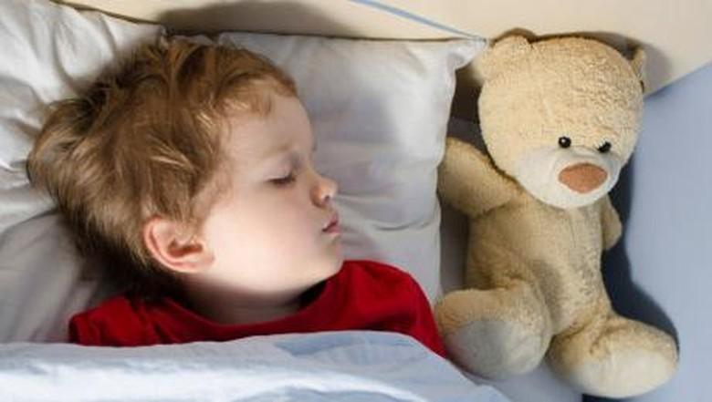 Ilustrasi anak mengompol saat tidur/Foto: thinkstock