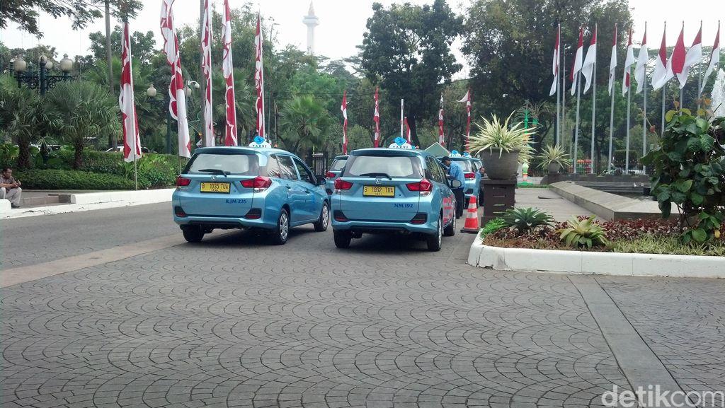 Komentar Bos Blue Bird Soal Tarif Baru Taksi Online