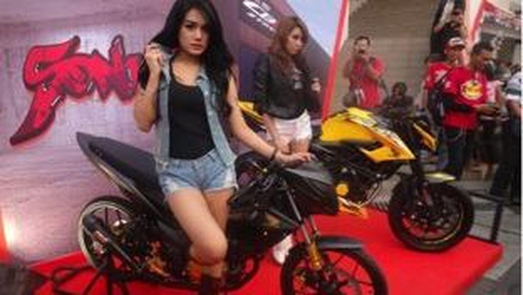 Warga Jakarta Sambut Antusias Dua Motor Sport Baru Honda