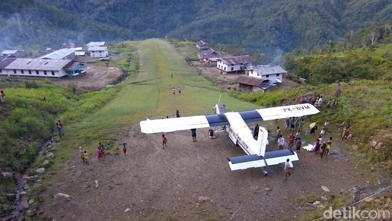 Buka Wilayah Terisolir di Papua, Pemerintah Bangun 34 Bandara