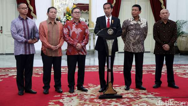 Bertemu Jokowi di Istana, Zulkifli Tepis Bisik-bisik Soal Reshuffle