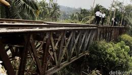 Banyak Rel Kereta Mati di RI Karena Otomotif Berkembang Pesat
