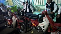 Motor Jadul Jadi Pahlawan Bagi Jemaah Haji yang Terpisah