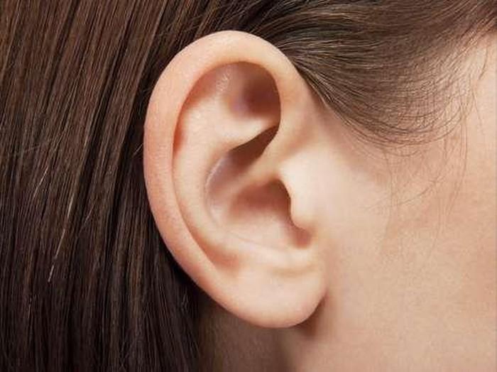 Kebiasaan yang bisa merusak telinga, salah satunya menggunakan cotton bud/Foto: thinkstock
