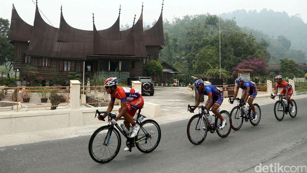 Destinasi Wisata di Sumbar Makin Dikenal Lewat Tour de Singkarak
