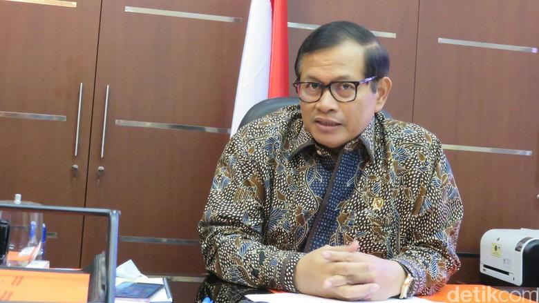 Kepuasan Publik Pada Jokowi Hanya 46 Persen, Seskab: Akan Naik Kembali