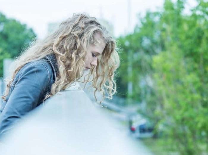 Ilustrasi wanita yang emosional dan kerap ingin bunuh diri/Foto: thinkstock