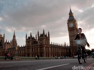 Lonceng Big Ben Akhirnya Berbunyi Lagi Setelah 3 Bulan