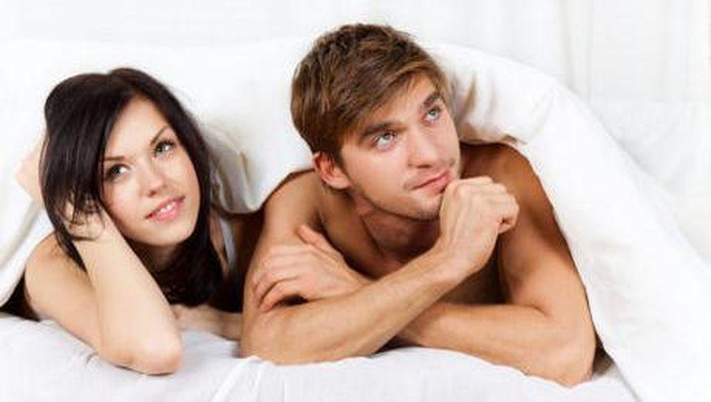 Istri Selalu Ingin Bercinta dalam Keadaan Gelap, Mengapa?