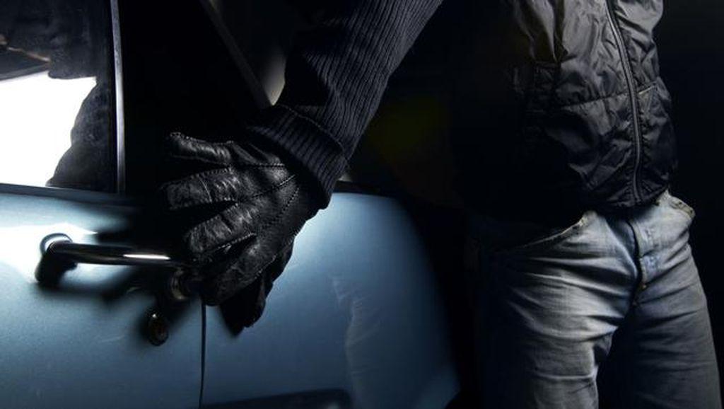 Polisi Gagalkan Perampokan Mobil Pengangkut Uang Rp 106 M di Cianjur