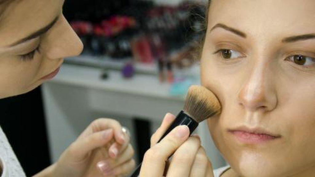 Hati-hati Ladies! Ini 3 Tester Kosmetik Paling Berisiko untuk Dicoba