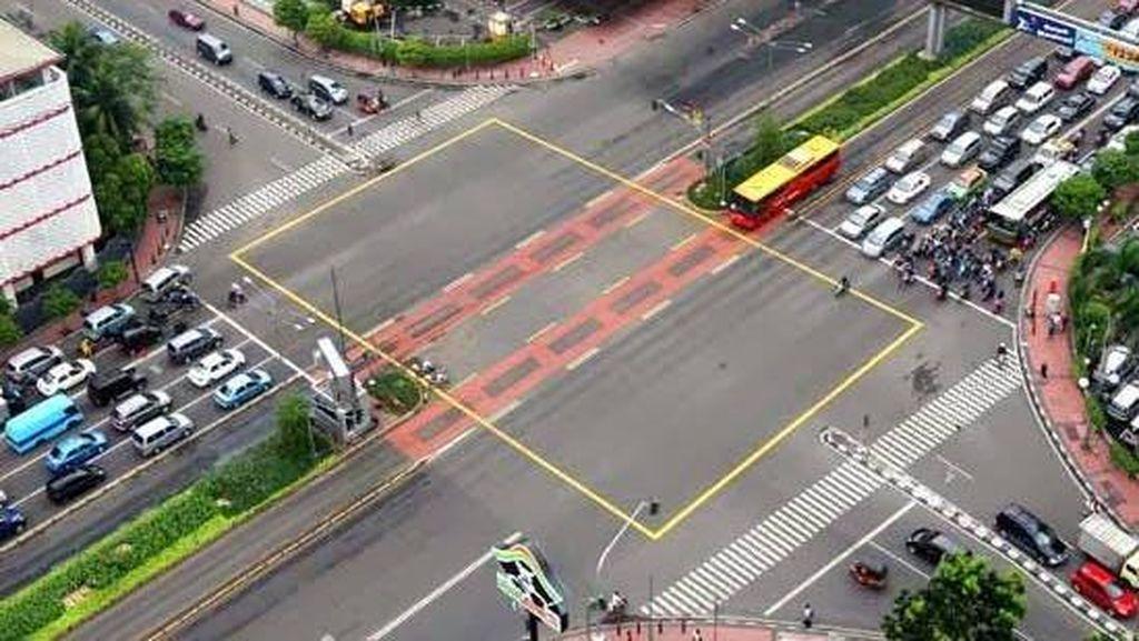 Komunitas Otomotif Siap Patuhi Marka Yellow Box