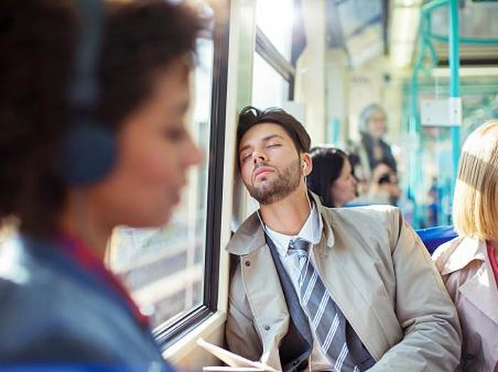 Usia remaja adalah masa di mana narkolepsi sering timbul. Foto: Getty Images