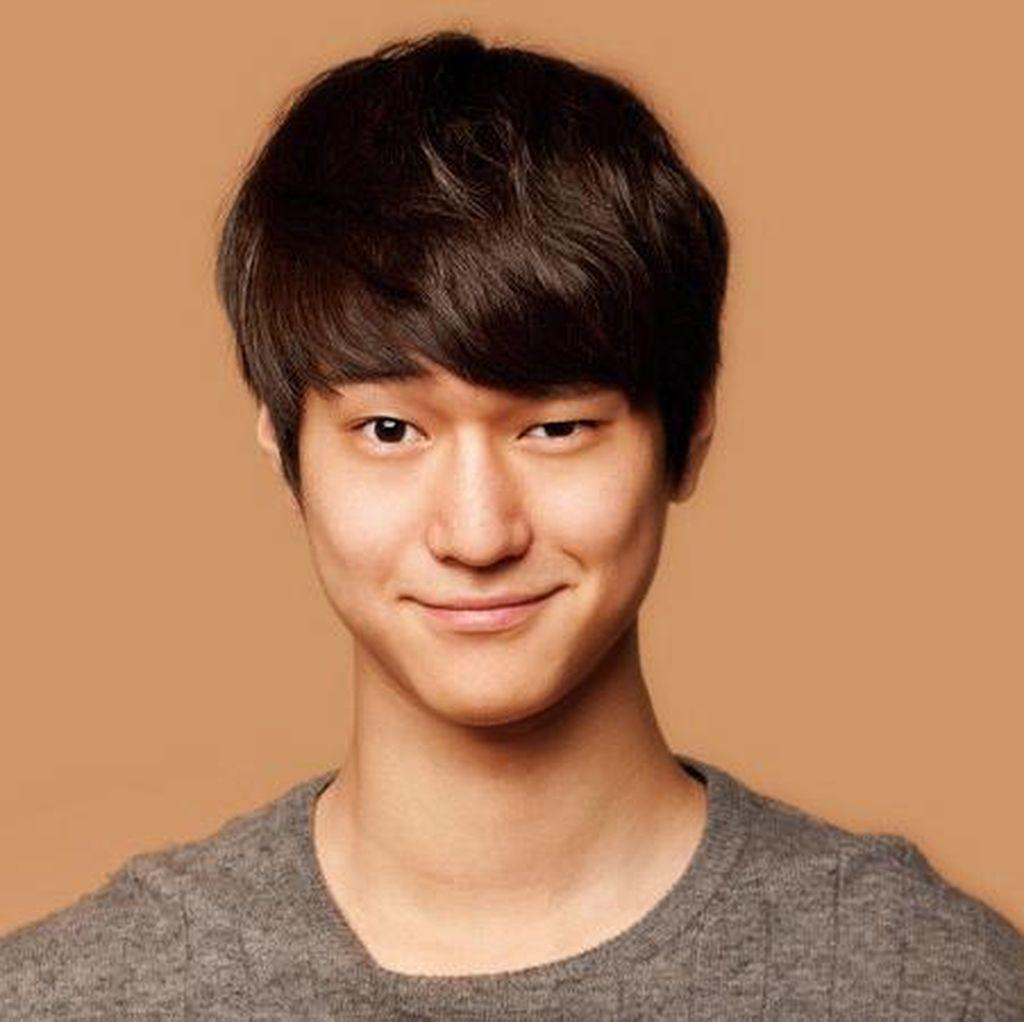 Aktor Go Kyung Pyo Siap Wamil 21 Mei