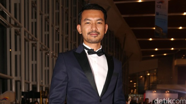Rio Dewanto dan Sejumlah Artis Hadiri Nobar Oscar 2017 di Jakarta