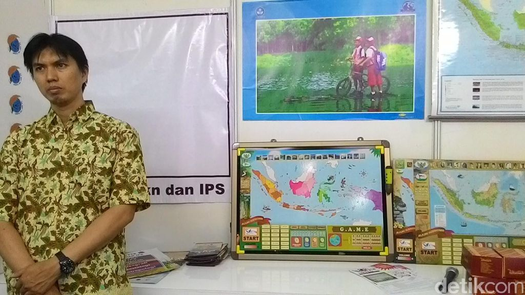 Peta Interaktif dan Robocop di Pameran Hari Guru Nasional