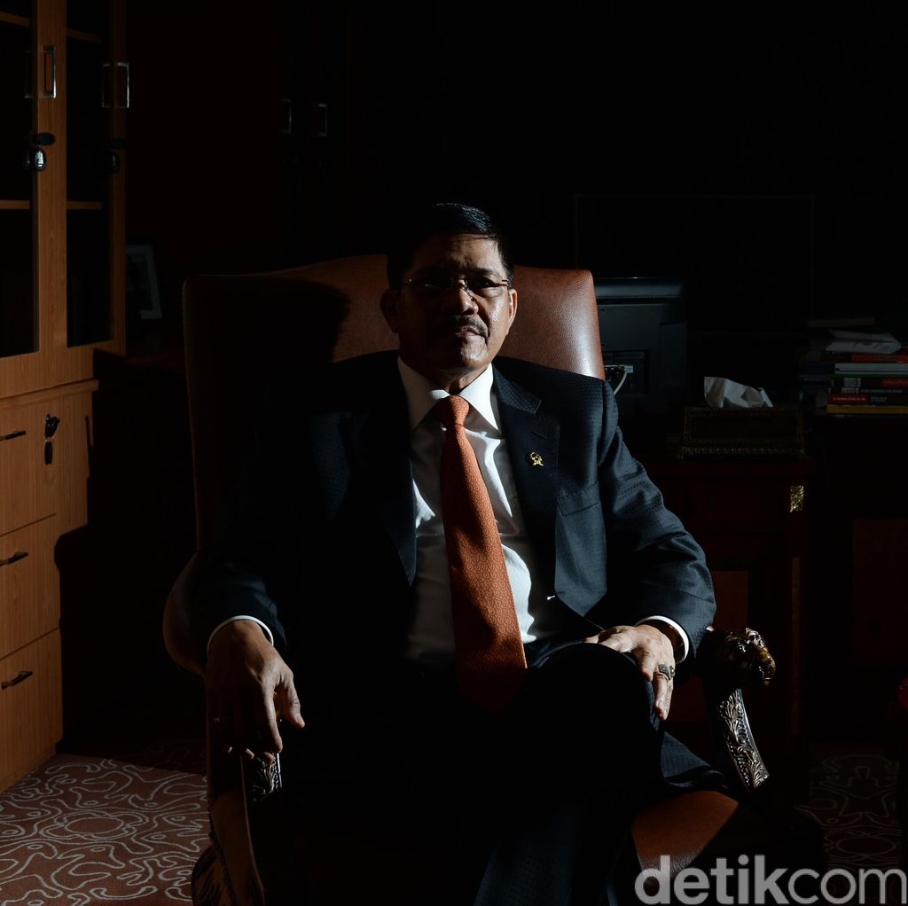 Ketua MA Hatta Ali: Fatwa Bisa Dilaksanakan, Bisa Tidak