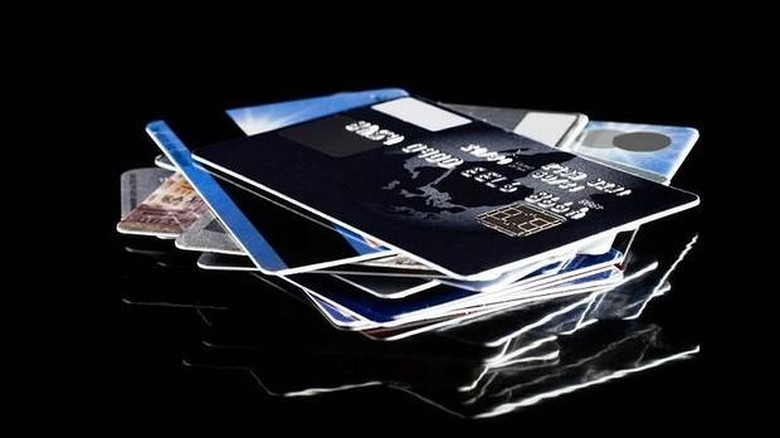 Ciri Orang Yang Terbelit Utang Kartu Kredit