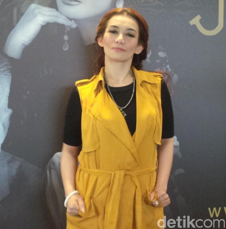 Reza Artamevia Siapkan Kejutan Spesial di Konser Jakarta Dekade 2015