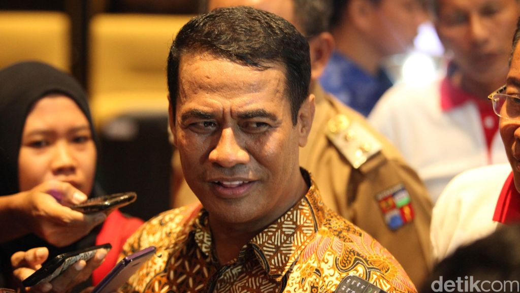 Mentan Ditelepon Jokowi Tengah Malam Jumat Karena Beras Plastik