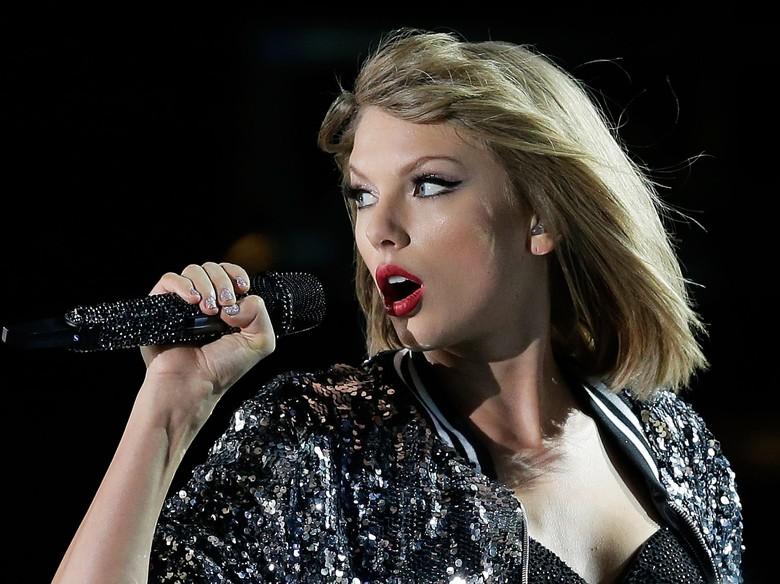 So Sweet! Taylor Swift Penuhi Impian Fans yang Hampir Tuli