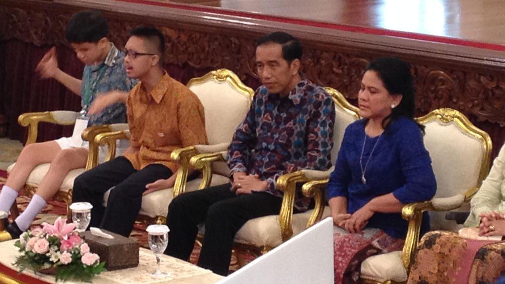 Saat Jokowi dan Para Menteri Berkaca-kaca Lihat Claudia dan Sammy Bernyanyi