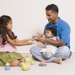 Cara Menyampaikan ke Anak Kalau Mereka Bakal Punya Saudara Angkat
